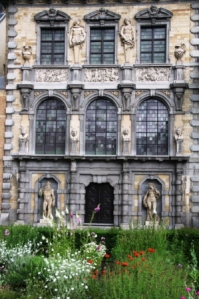 Rear facade of the elegant Rubens house fom the gardens.