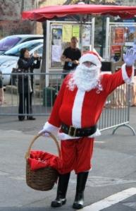 Santa arrives in Grambois.