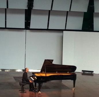 piano.1