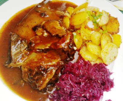 Sauerbraten, Rotkohl and Bratkartoffeln (Sauerbraten with red cabbage and fried potatoes). Makes me hungry.