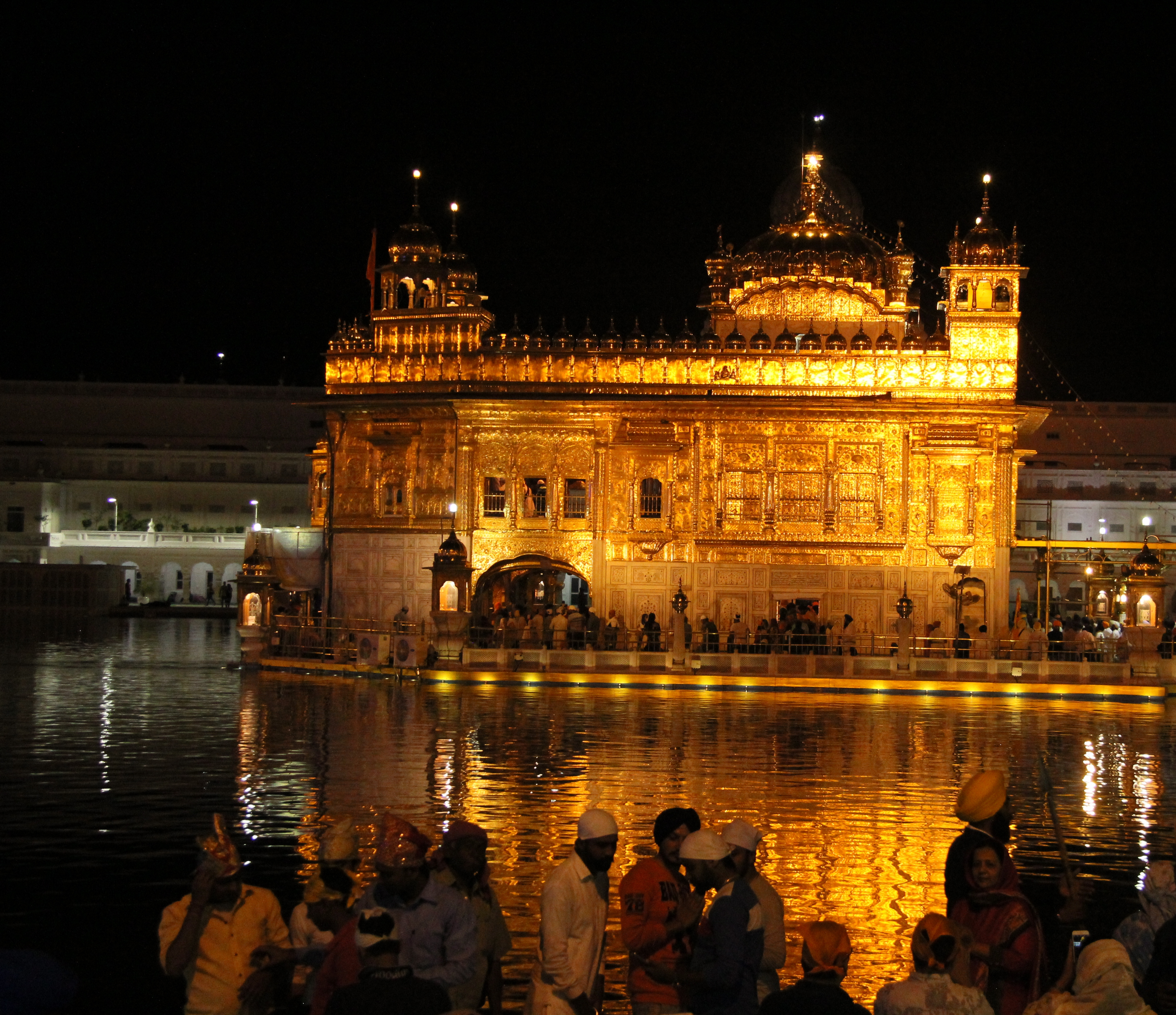 Food tales and travel for Golden night